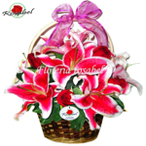 Canasta de Rosas y Liliums