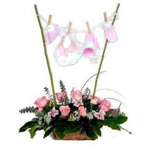 Flores para nacimiento niña Cdo.05