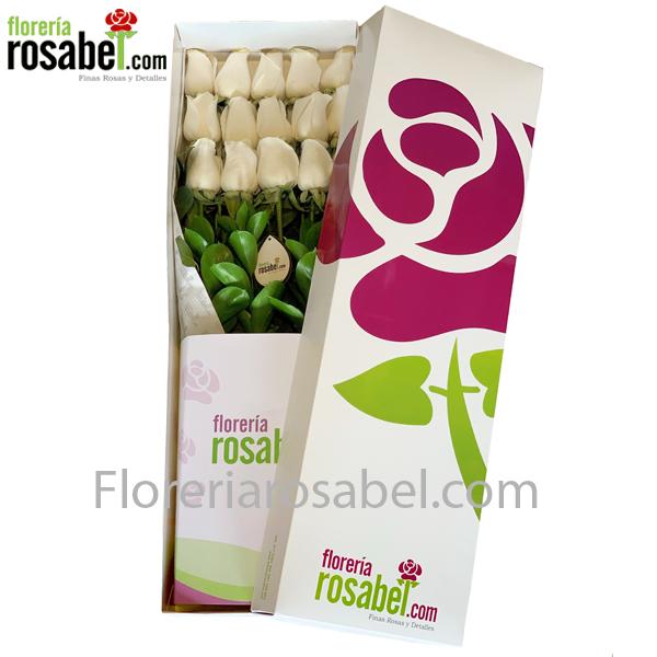 Caja blanca con 12 Rosas Blancas