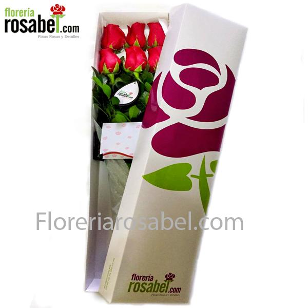 Caja blanca con 6 rosas rojas para regalar