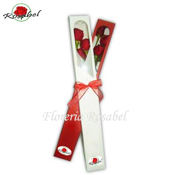Caja con 3 rosas rojas para regalar